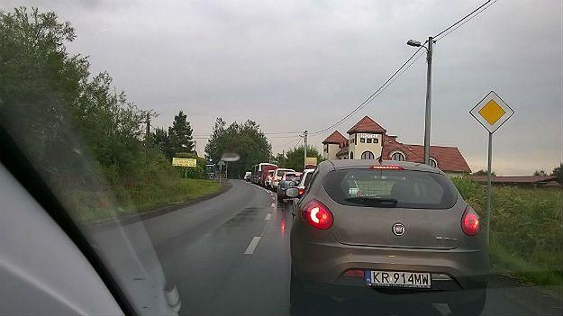 Wypadek na A4 w Krakowie. Utrudnienia dla kierowców