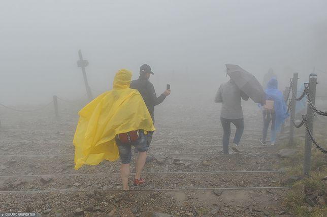 IMGW ostrzega przed silnym wiatrem na południu Polski