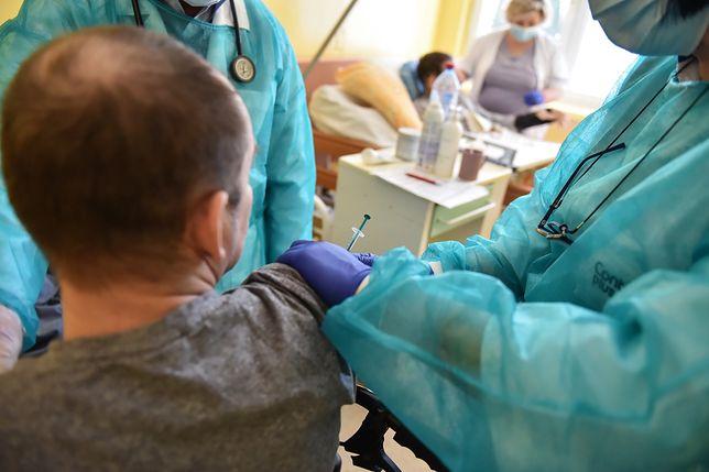 Szczepionki na COVID-19. Nieoficjalnie: będą zmiany w kolejce
