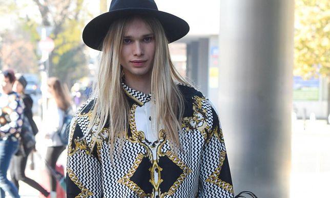 Mateusz Maga na London Fashion Week. Jego stylizacja naprawdę zaskakuje