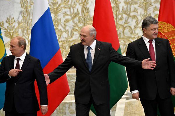 Władimir Putin, Aleksander Łukaszenka, Petro Poroszenko podczas spotkania na Białorusi 26 sierpnia