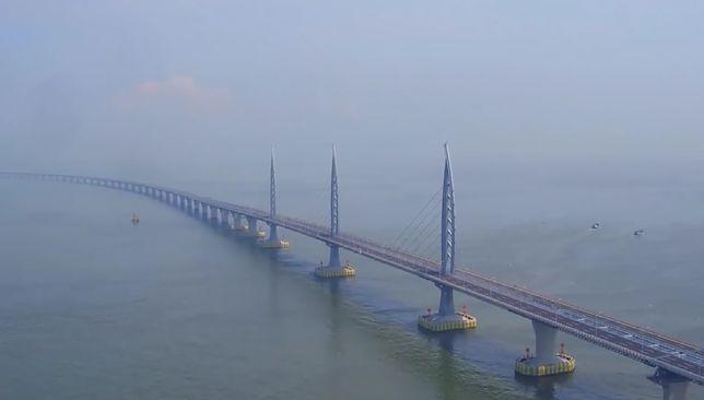 Chiny mają najdłuższy most świata. Xi Jinping dokonał wielkiego otwarcia.