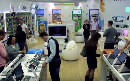 Rosjanie rzucili się na sklepy z elektroniką. iPhone'y na kredyt znikają z półek