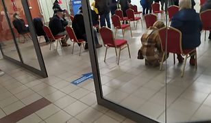 """Szczepienia poza kolejnością w Rzeszowie. """"Polska liderem chaosu"""""""
