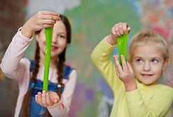 Jak zrobić slime? Kreatywny pomysł na prostą zabawę dla dziecka, a wystarczy kilka składników