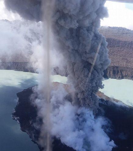 Ogłoszono 3 stopień zagrożenia. Erupcja wulkanu na wyspie Ambae