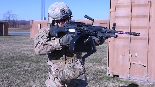 Trzecia ręka dla wojsk Stanów Zjednoczonych. Z jej pomocą żołnierze uniosą najcięższe karabiny