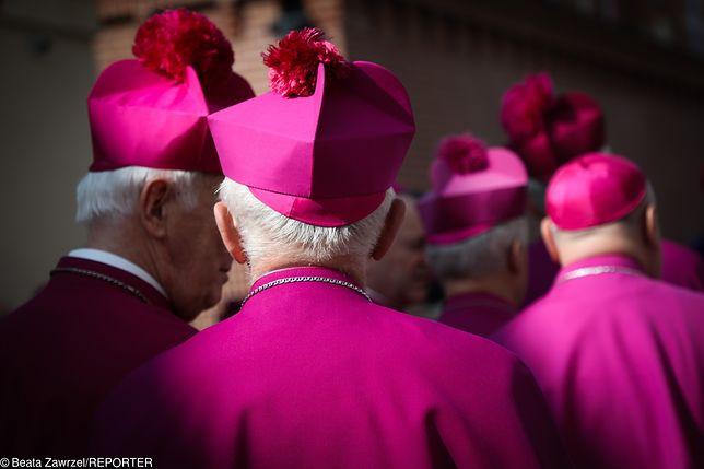 Lista biskupów do dymisji. Kogo mógłby usunąć delegat papieża Franciszka