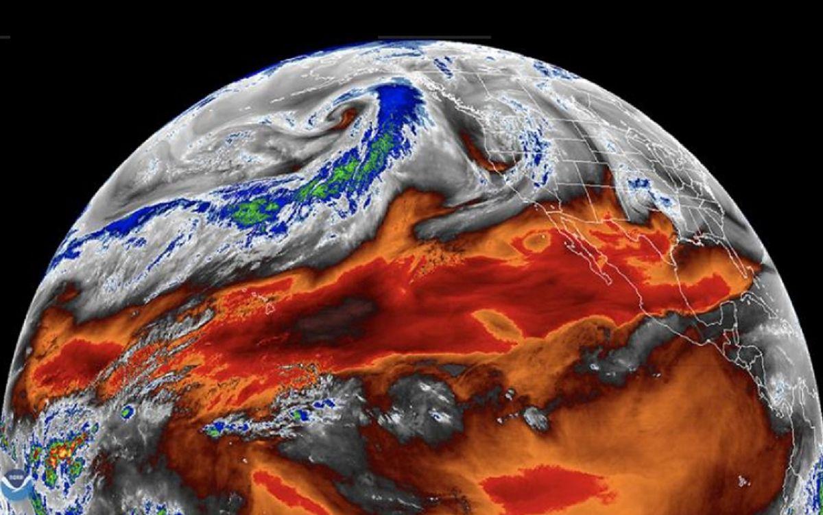 NASA: Mapa tropikalnej pary wodnej