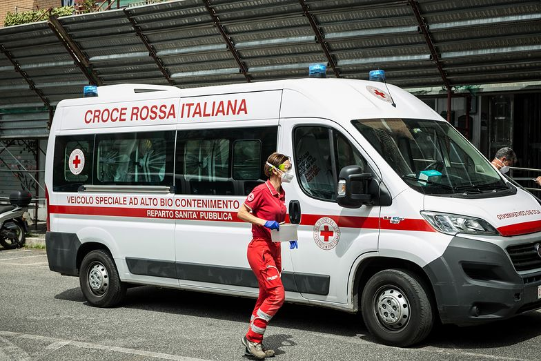 Nowe ognisko koronawirusa w Rzymie. Niepokojące raporty z Włoch