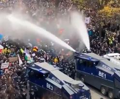 Protesty w Berlinie. Nie chcą nowych zasad. Policja użyła armatek wodnych