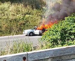 """Groźny incydent na """"zakręcie mistrzów"""" w Sosnowcu. Auto stanęło w płomieniach"""