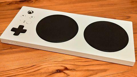 Xbox Adaptive Controller: sprawdziłem kontroler, który łamie bariery