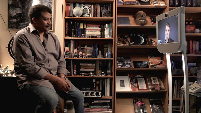 Neil de Grasse-Tyson w rozmowie z Edwardem Snowdenem