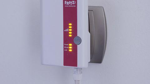 AVM FRITZ!WLAN Repeater 300E – dwuzakresowy przedłużacz WiFi