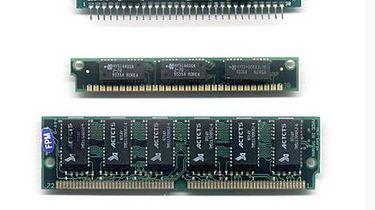 Kiedy doczekamy się w końcu DDR 4 - Pierwsze 4 rodzaje pamięci RAM dostępne w komputerach klasy PC, czyli DIP, SIPP, SIMM (2 rodzaje) oraz SDRAM.