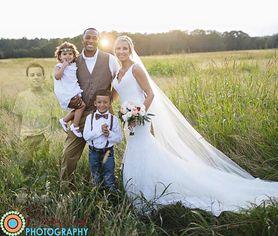 Niezwykłe zdjęcie ślubne pary, której syn zmarł na białaczkę