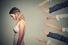 Depresja poporodowa – choroba, do której trudno się przyznać