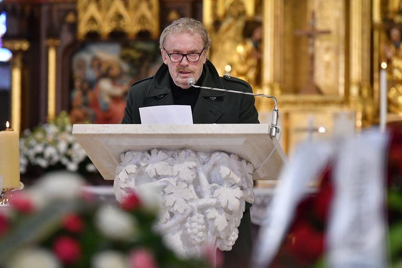 Pogrzeb Krzysztofa Krawczyka. Gwiazdy żegnają wielkiego artystę [ZDJĘCIA]