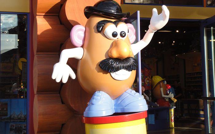 "Dawniej ""Mr. Potato Head"", teraz ""Potato Head"""