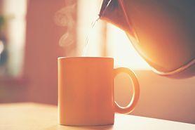 7 powodów, dla których warto pić ciepłą wodę