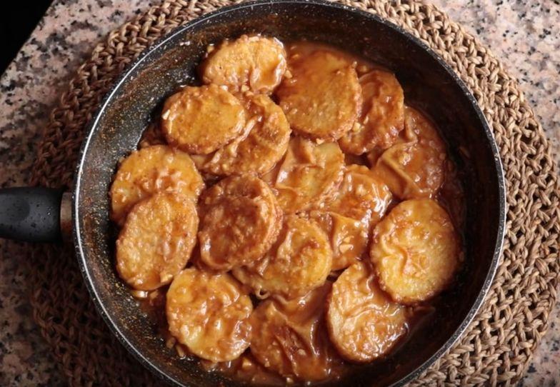 Przepis na ziemniaki po hiszpańsku. Tani i naprawdę smaczny obiad
