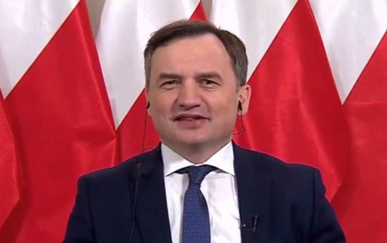 """Euro 2020. Wpadka Ziobry na antenie! """"Coś przekręcam, ale wiem, o co chodzi"""""""