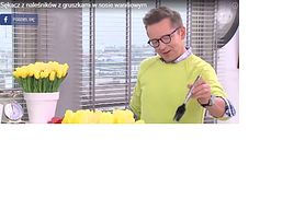 Sękacz z naleśników z gruszkami w sosie waniliowym