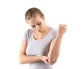 Ból łokcia – zwyrodnienie, zapalenie, łokieć tenisisty, domowe sposoby, ćwiczenie