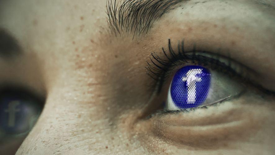 Facebook w smartfonach wreszcie zyska ciemny motyw, fot. Pixabay