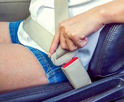 Lecisz samolotem, nie zakładaj szortów. Steward podaje ważny powód