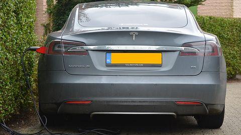 Kaspersky: stacje ładowania samochodów elektrycznych dziurawe jak sito