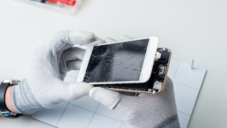 Proponowane przez UE prawo ma zwiększyć recykling elektroniki i wydłużyć jej żywotność, fot. Vlad Teodor/Shutterstock