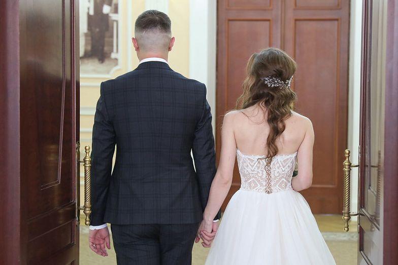 """""""Ślub w ciągu doby"""". Polacy pobierają się na Ukrainie"""