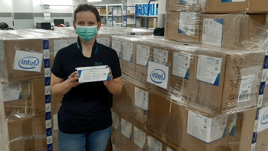 Intel pomaga szpitalom w Gdańsku. Nie zapomniał też o szkołach (fot. Uniwersyteckie Centrum Kliniczne @ Facebook)