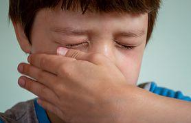 Sprawdź, co może oznaczać swędzenie oczu!