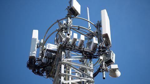 Brak decyzji rządu i UKE w sprawie 5G. Inwestycja za ok. 2,5 mld zł wstrzymana