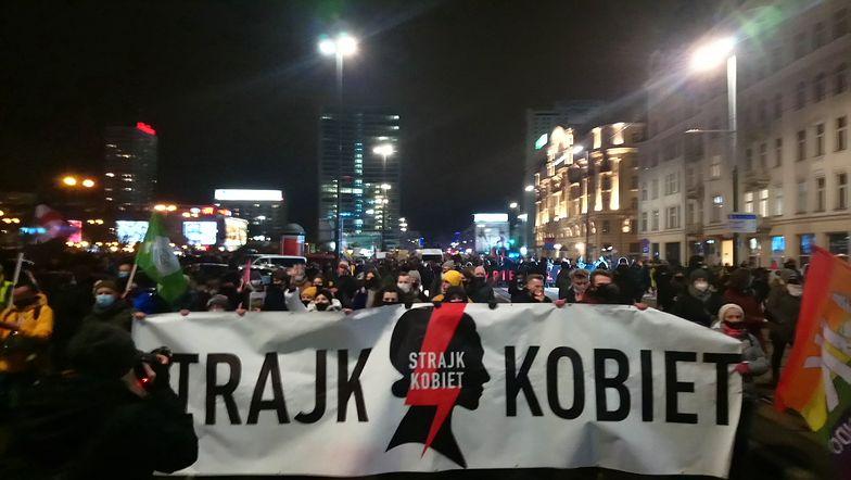 Uzasadnienie wyroku TK ws. aborcji. Demonstranci ruszyli na Warszawę