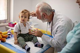 Otolaryngolog – kim jest, co diagnozuje i leczy. Kiedy iść na wizytę?