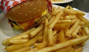 burger, frytki