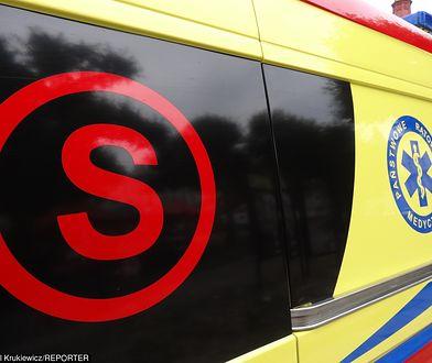 Drugi z mężczyzn - 64-latek - trafił do szpitala