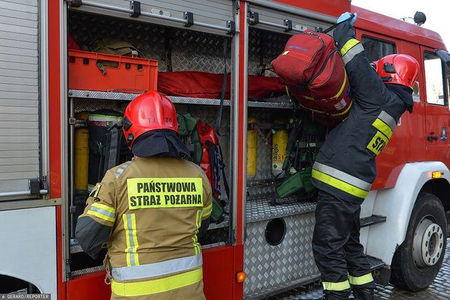 Warszawa. Kolejny pożar w Wawrze. Płonie drewniany budynek