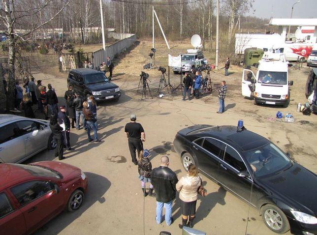 """To miał być zwykły dzień pracy. Polscy dziennikarze byli na miejscu katastrofy smoleńskiej. """"Musieliśmy panować nad emocjami"""""""