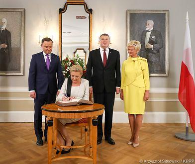Agata Duda towarzyszyła mężowi w Rydze. Tym razem łotewska Pierwsza Dama przyćmiła ją stylizacją