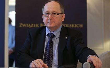ZBP przedstawił bankom pakiet działań w związku z drogim frankiem