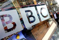 Londyn. Antyszczepionkowcy chcieli się wedrzeć do studia BBC
