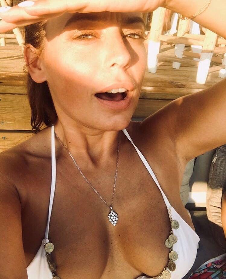 Anna Mucha pokazała odważne zdjęcie z plaży. Internauci się oburzyli