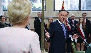 Para prezydencka podczas wizyty w nowosądeckim liceum.