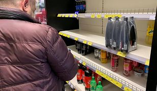 Tłumy turystów w Zakopanem wymiatają towar ze sklepów. Obsługa nie nadąża z uzupełnianiem braków