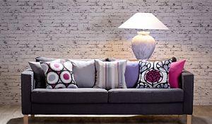 Dodatki, które odmienią wnętrze: poduszki dekoracyjne